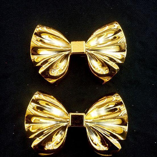 Laço Grande Dourado ABS - L. A 066