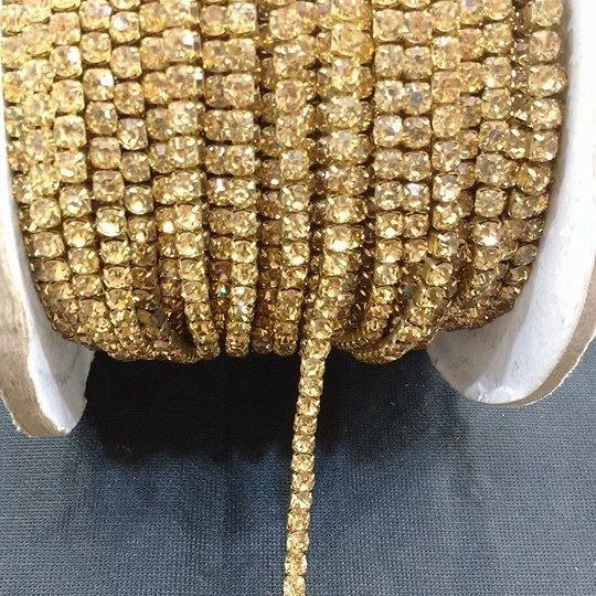 Strass Caramelo 16 - S. M 352