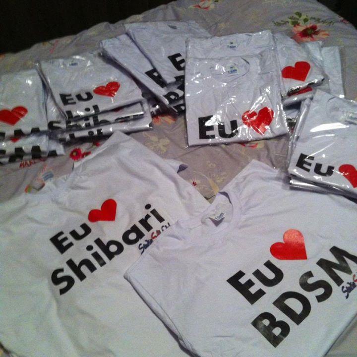 Camiseta 'Eu Amo...'