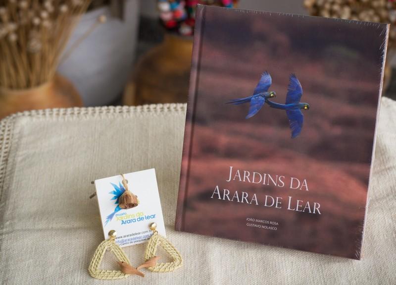 LIVRO JARDINS DA ARARA DE LEAR , BRINCO FIBRA LICURIZEIRO