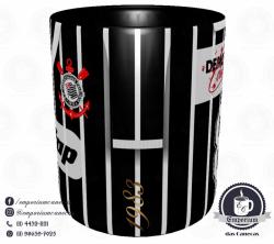 Caneca Corinthians - Camisa 1983 Sócrates - Democracia Corinthiana (Listrada) - Porcelana 325 ml 2
