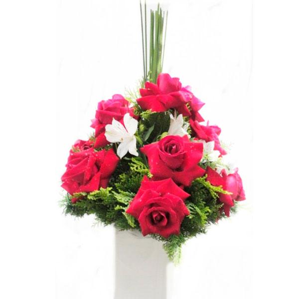 Arranjo com 12 Rosas