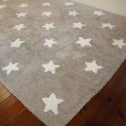 Tapete cinza com estrelas brancas modelo C-G-SW 2