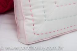 Almofada Bordada Com Coração de Crochet 3