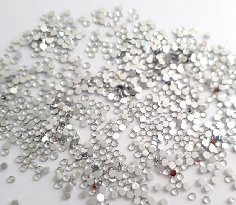 Strass Cristal 2mm - 100 unid