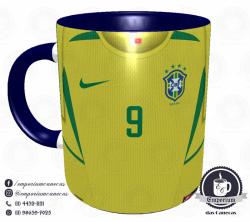 Caneca Seleção Brasileira - Camisa 2002 (Pentacampeão Mundial) - Porcelana 325 ml 1