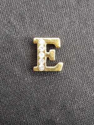 Letra E Dourada