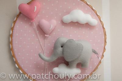 Enfeite de porta Elefante Rosa com Coração