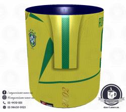 Caneca Seleção Brasileira - Camisa 2002 (Pentacampeão Mundial) - Porcelana 325 ml 2