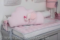 Almofada Nuvem com Elefante Rosa 2