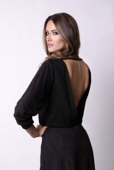 Blusa PRETA costas à mostra 2