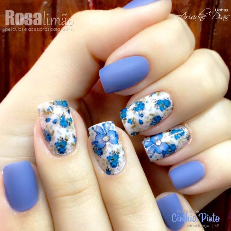 Florais + esmalte azul