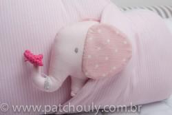 Almofada Nuvem com Elefante Rosa 3