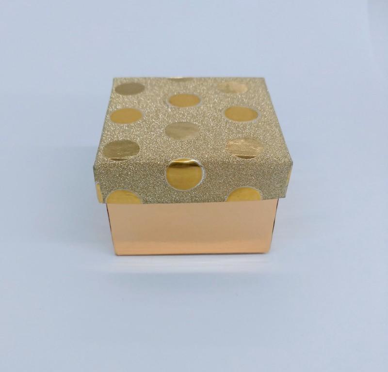 Caixinha para porta crachá Dourada