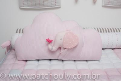 Almofada Nuvem com Elefante Rosa