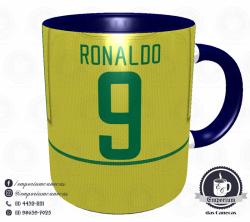 Caneca Seleção Brasileira - Camisa 2002 (Pentacampeão Mundial) - Porcelana 325 ml 3