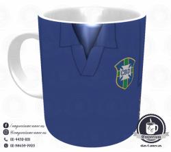 Caneca Seleção Brasileira - Camisa 1958 (Campeão Mundial) - Porcelana 325 ml 1