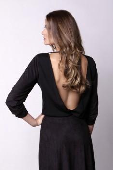 Blusa PRETA costas à mostra 3